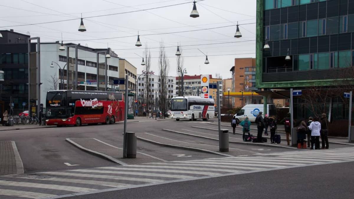 Jyväskylän Matkakeskuksen liikennemäärät kasvavat reilusti ensi huhtikuussa.
