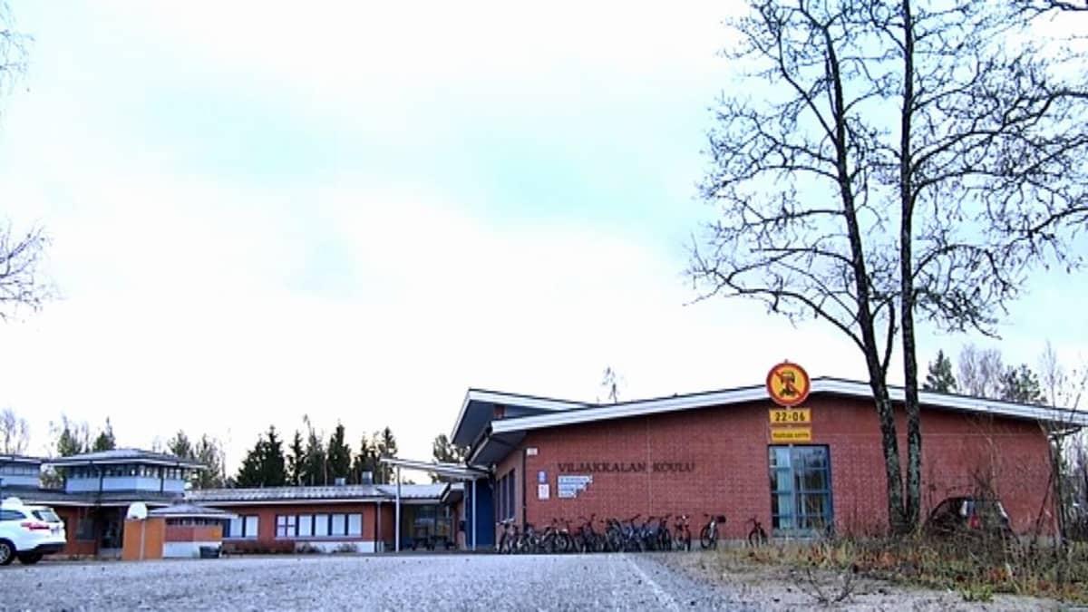Viljakkalan koulun piha