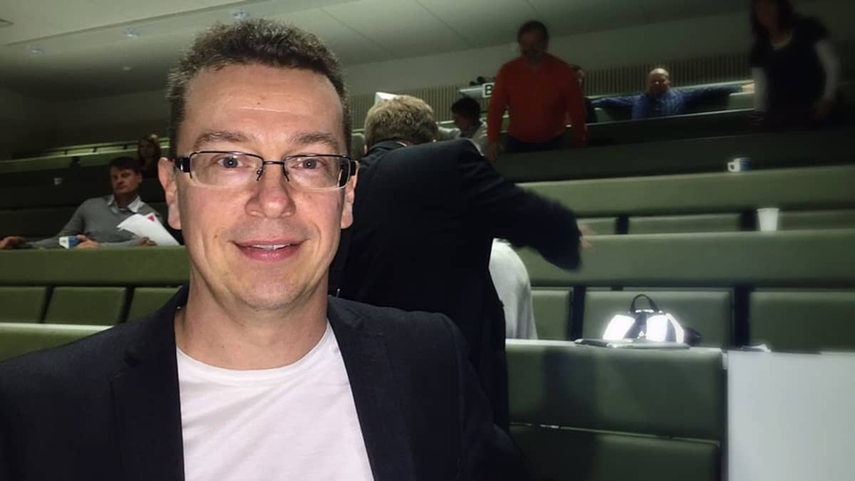 Tommi Vasankari suosittelee lisäämään liikuntaneuvontaa terveydenhuollon palveluihin.