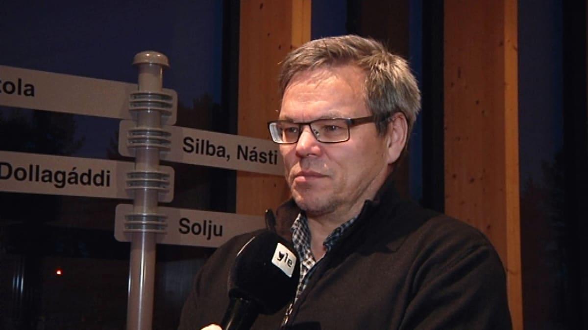 Ilmari Tapiola viimeisessä saameläiskäräjien kokouksessa 21.12.2015 vaalikaudella 2011-2015.