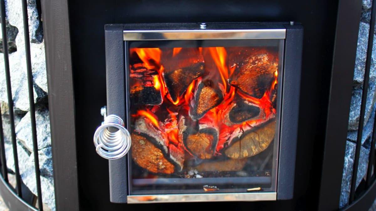 MM-kisassa telttasauna pitää lämmittää 70 asteiseksi mahdollisimman nopeasti.