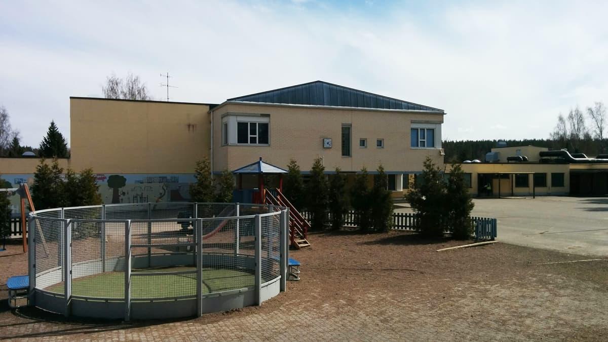 Valkealan kirkonkylän koulu
