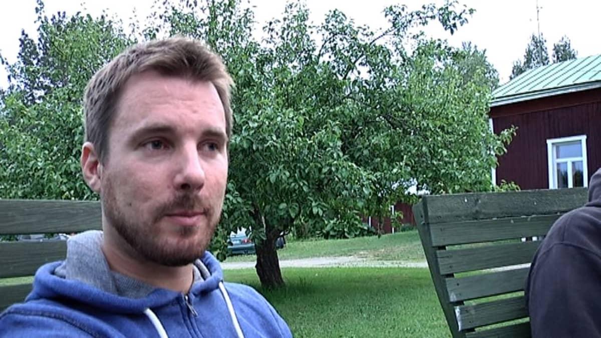 Naamat järjestetään Antti Kaupin kotitilalla. Kuva: Arvo Vuorela.