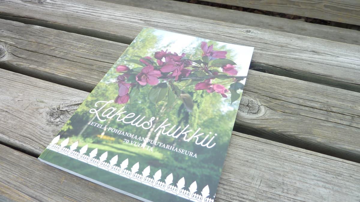 Etelä-Pohjanmaan Puutarhaseuran 70-vuotishistoriikki julkaistiin keväällä.
