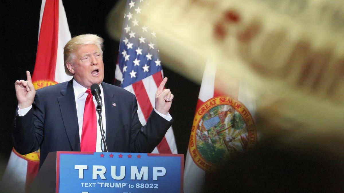 Dolad Trump kampanjoi Floridassa.