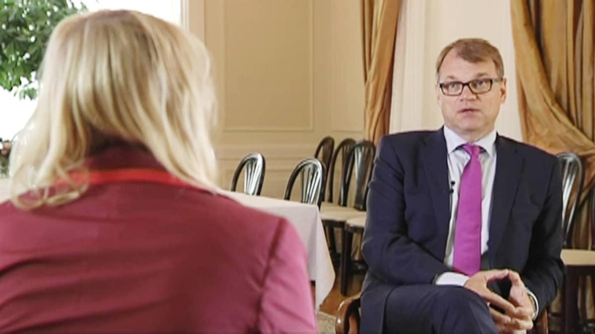 Juha Sipilä haastattelussa.