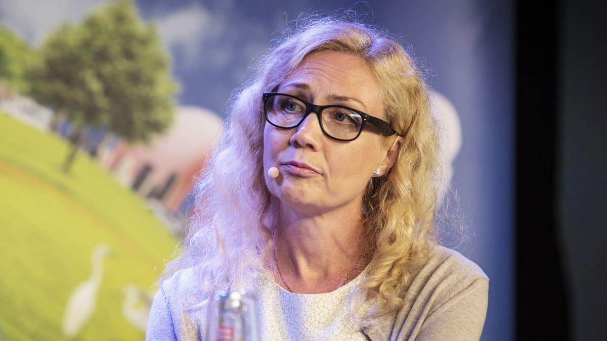 Anneli Auer Suomi-Areena-tapahtumassa Porissa heinäkuussa.