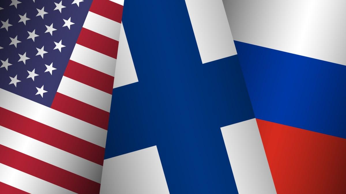 Kuvakollaasi, jossa Yhsysvaltojen, Suomen ja Venäjän liput.