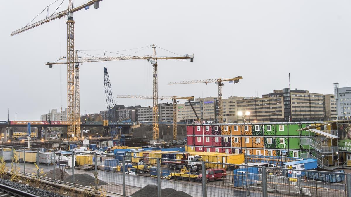 Kauppakeskus Triplan rakennustyömaa Pasilassa Helsingissä 28. lokakuuta 2016.