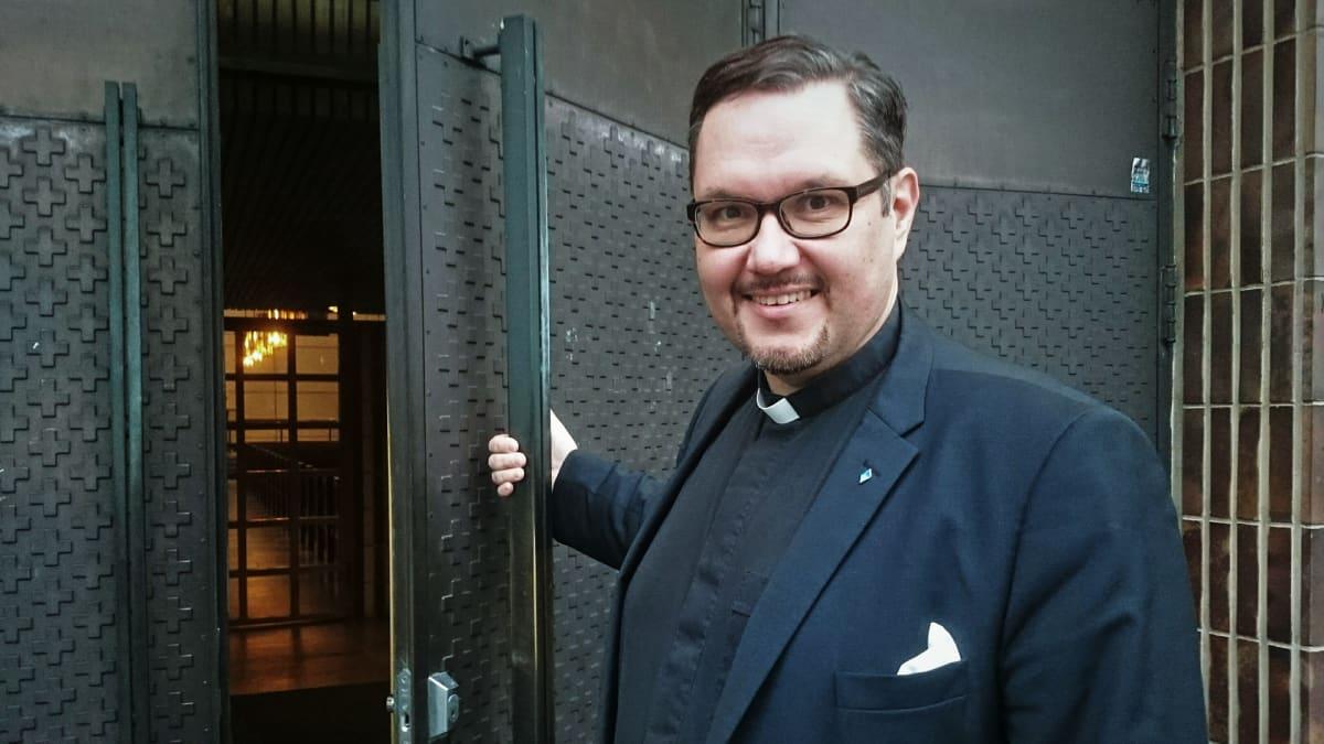 Lauttasaaren seurakunnan kirkkoherra Juha Rintamäki