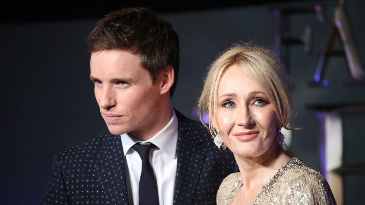 Eddie Redmayne ja J.K. Rowling.