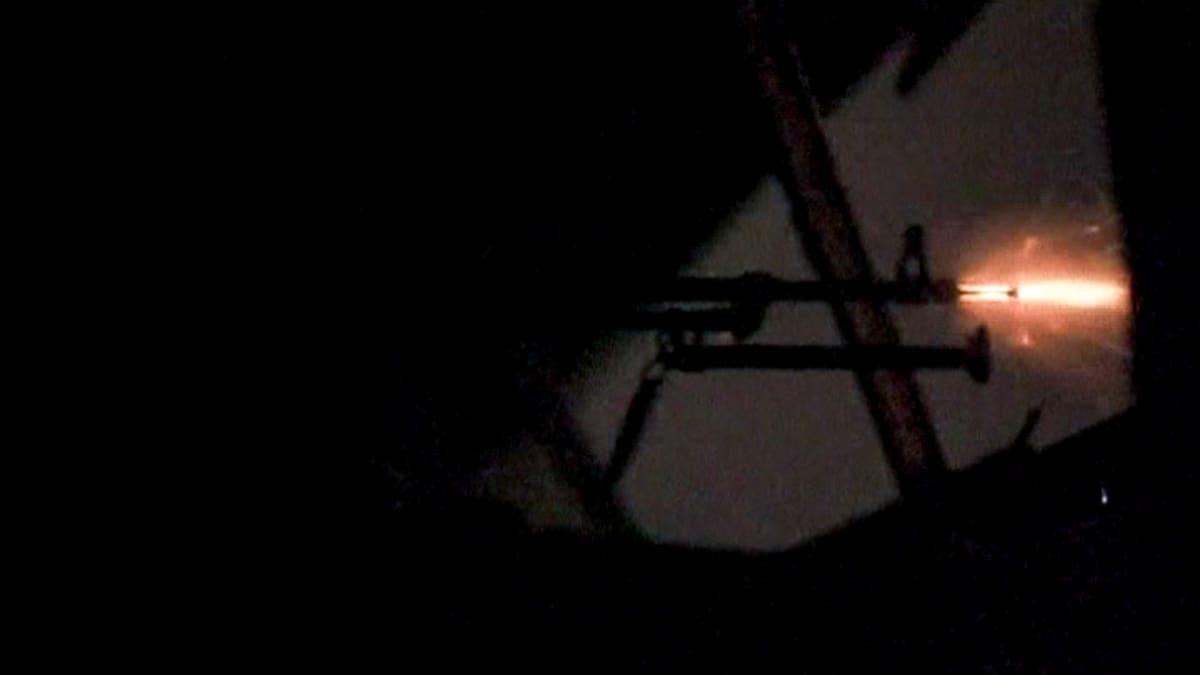 kiväärin suuliekki yössä