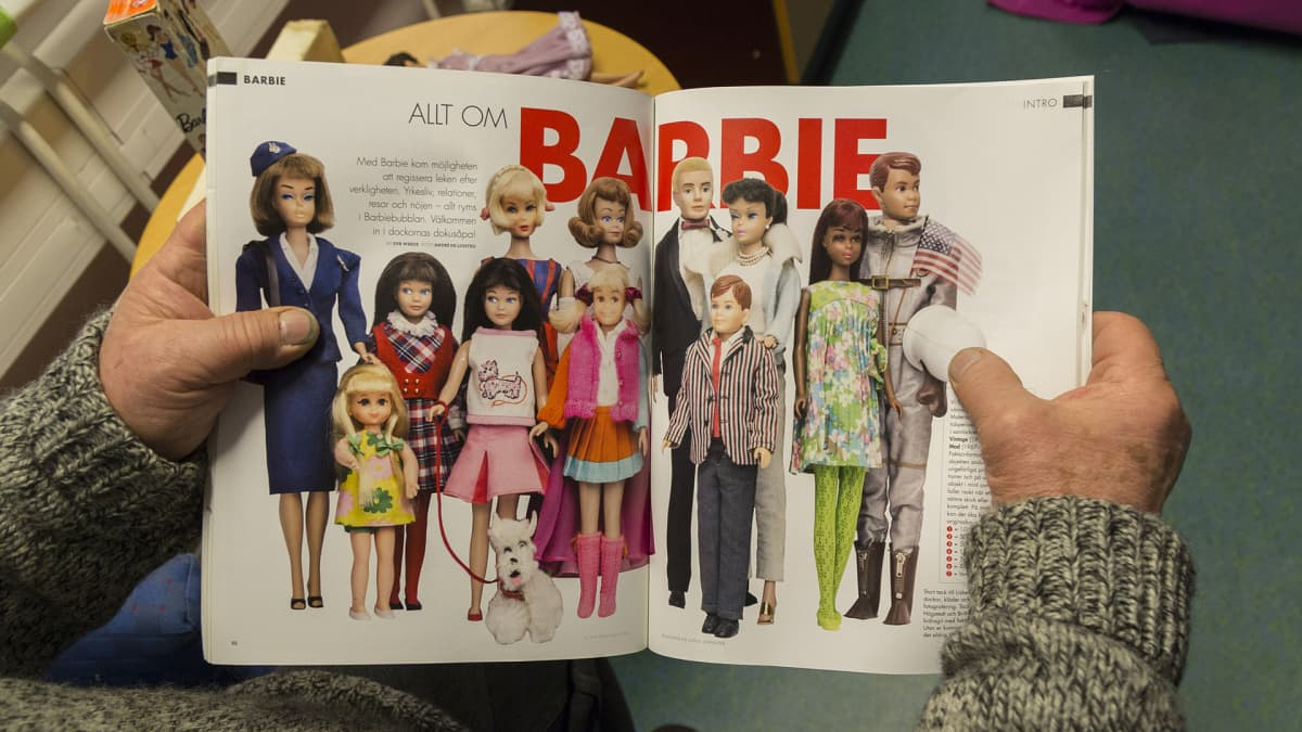 Kirja Barbie-nukeista
