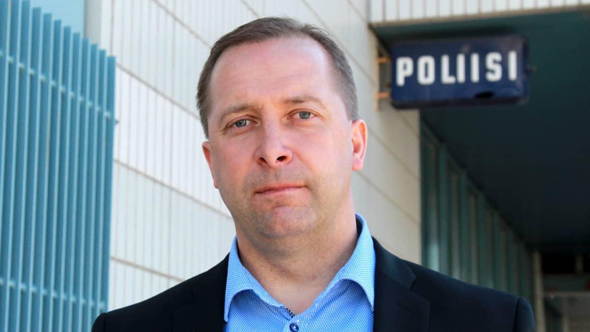 Kuvassa Sisä-Suomen poliisilaitoksen rikoskomisario Jari Luoto.