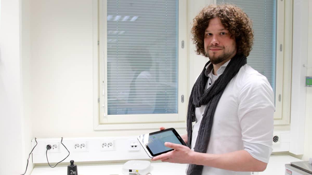 Kuvassa diplomi-insinööri Atte Kekonen
