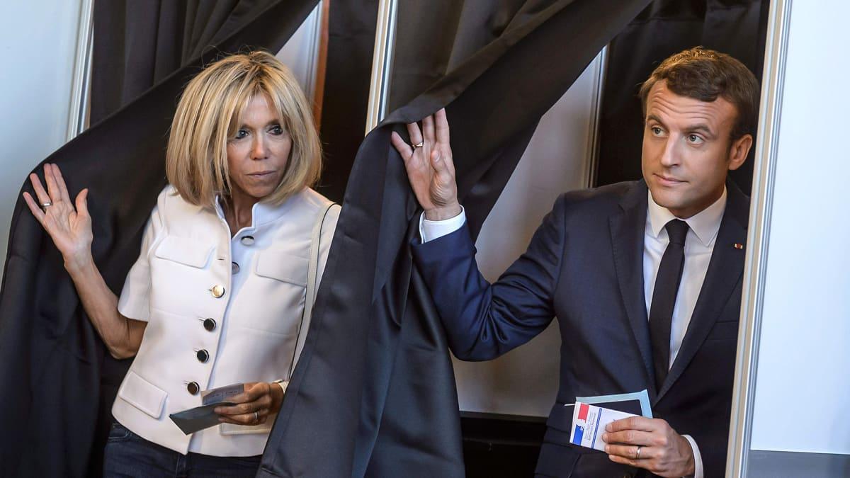 Emmanuel Macron ja Brigitte Macron.