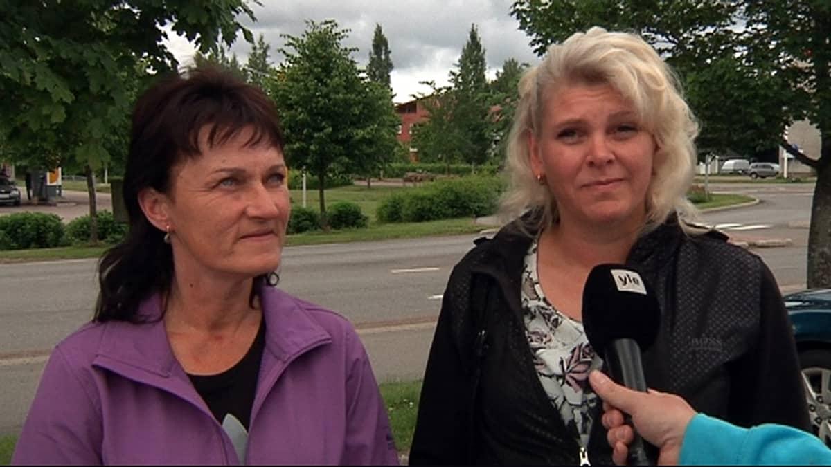 Voikkaalaiset yrittäjät Tiina Wennqvist ja Sari Nurmi.