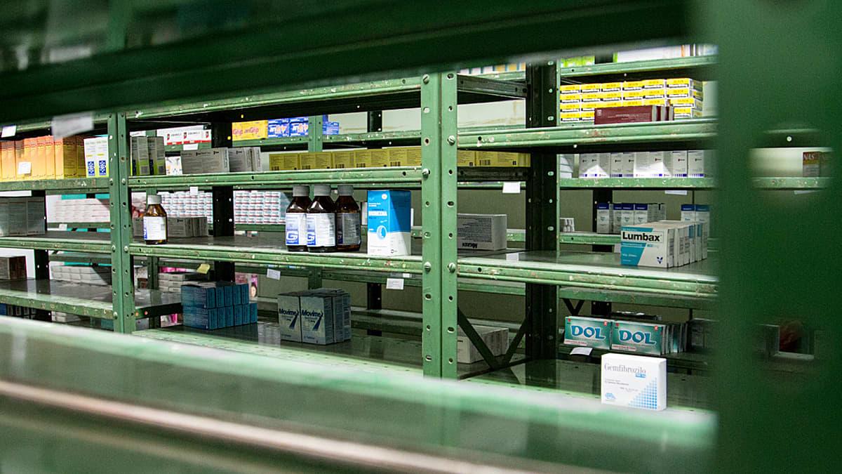 Lääkevaraston hupenevat lääkkeet Venezuelassa, Caracasissa.