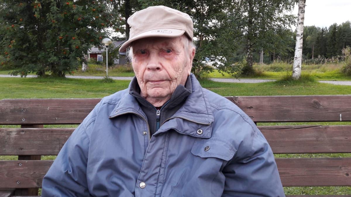 Sotaveteraani Toivo Mehto, 100 vuotta.