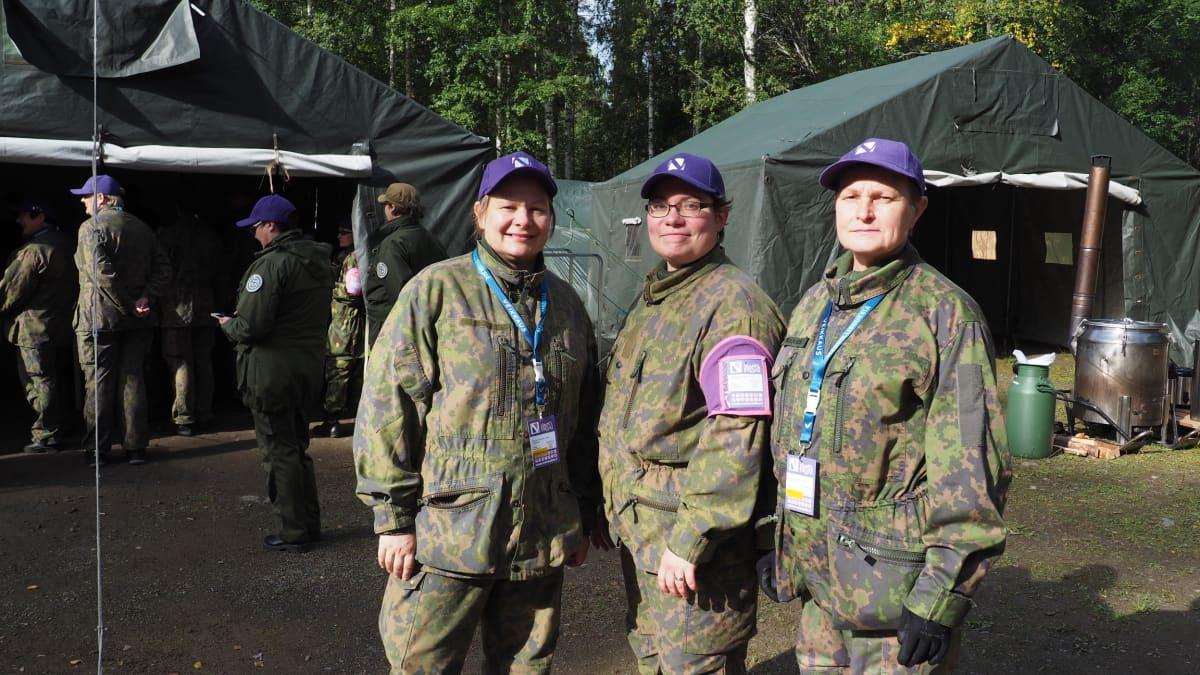 Paula Raatikainen, Anu Kuronen ja Ulla Niskanen Minnatar 2017 -valmiusharjoituksessa.