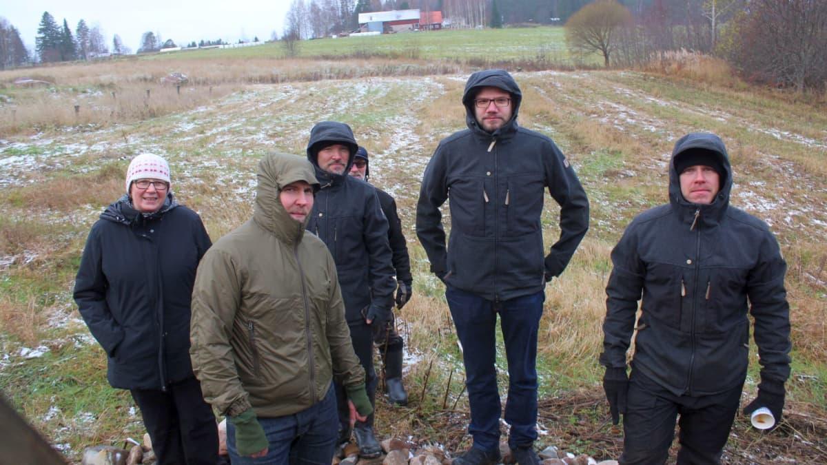 Vastapainokatapulttia testattiin Viimarannassa viimaisessa säässä.