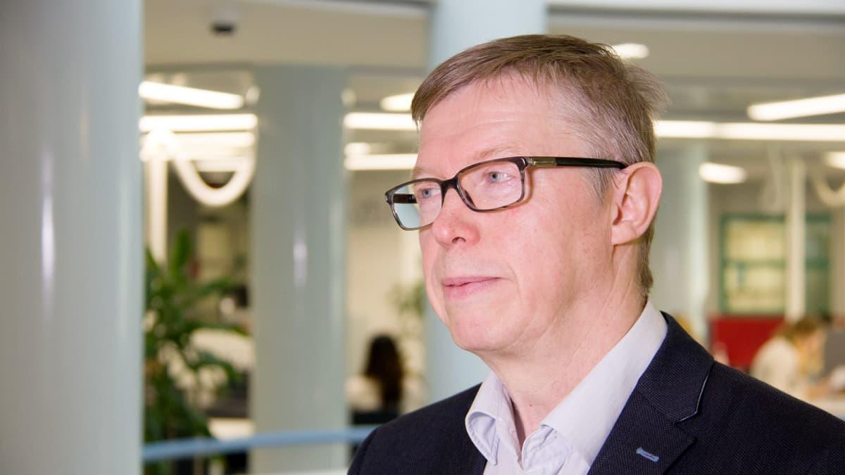 Informaatiotutkimuksen professori Erkki Karvonen