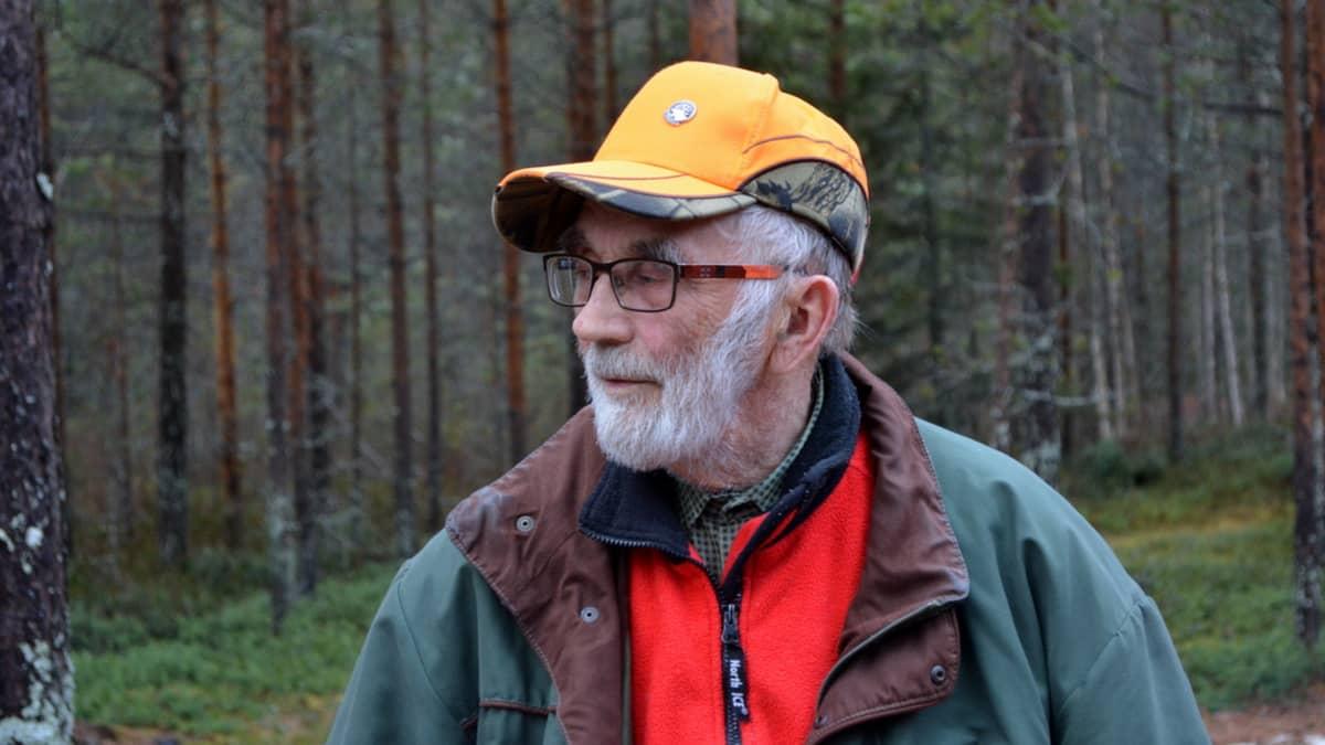 Metsänomistaja Teuvo Karen Kuivaniemi.