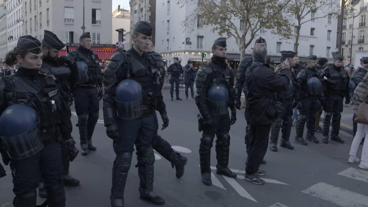 Poliisi kielsi identitarien mielenosoituksen Pariisissa
