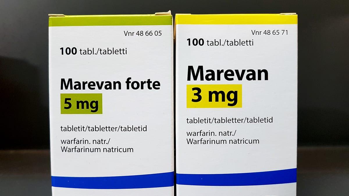 Verenohennuslääkettä, Marevania apteekin pöydällä.
