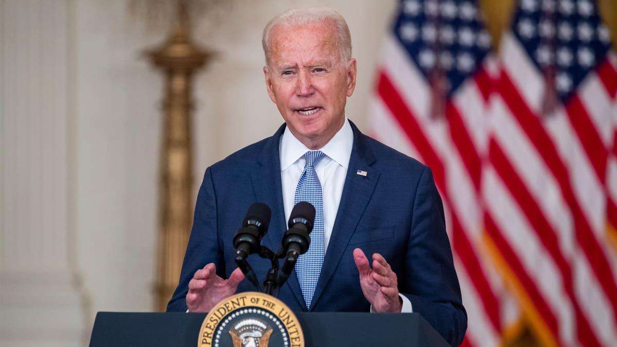 Presidentti Joe Biden puhuu Valkoisessa talossa 12.8.2021.