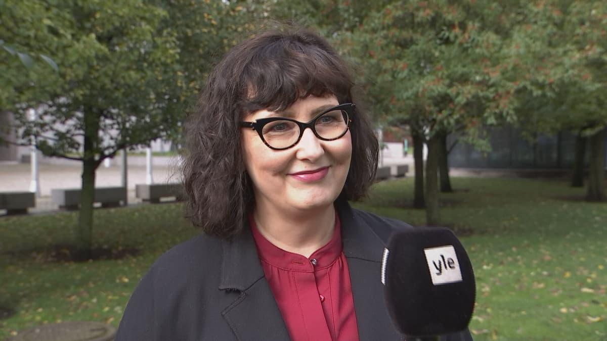 Janica Ylikarjula puistossa