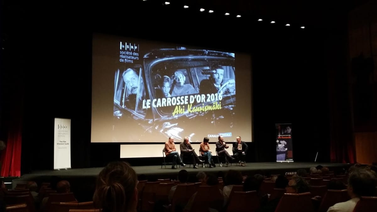 Kaurismäki-näytös Cannesissa.