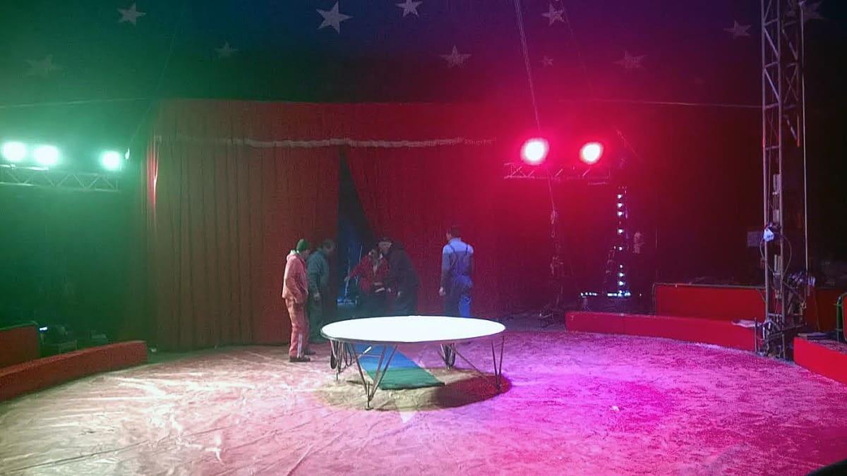 Sirkus Florentinon valmisteluja Vaasassa.
