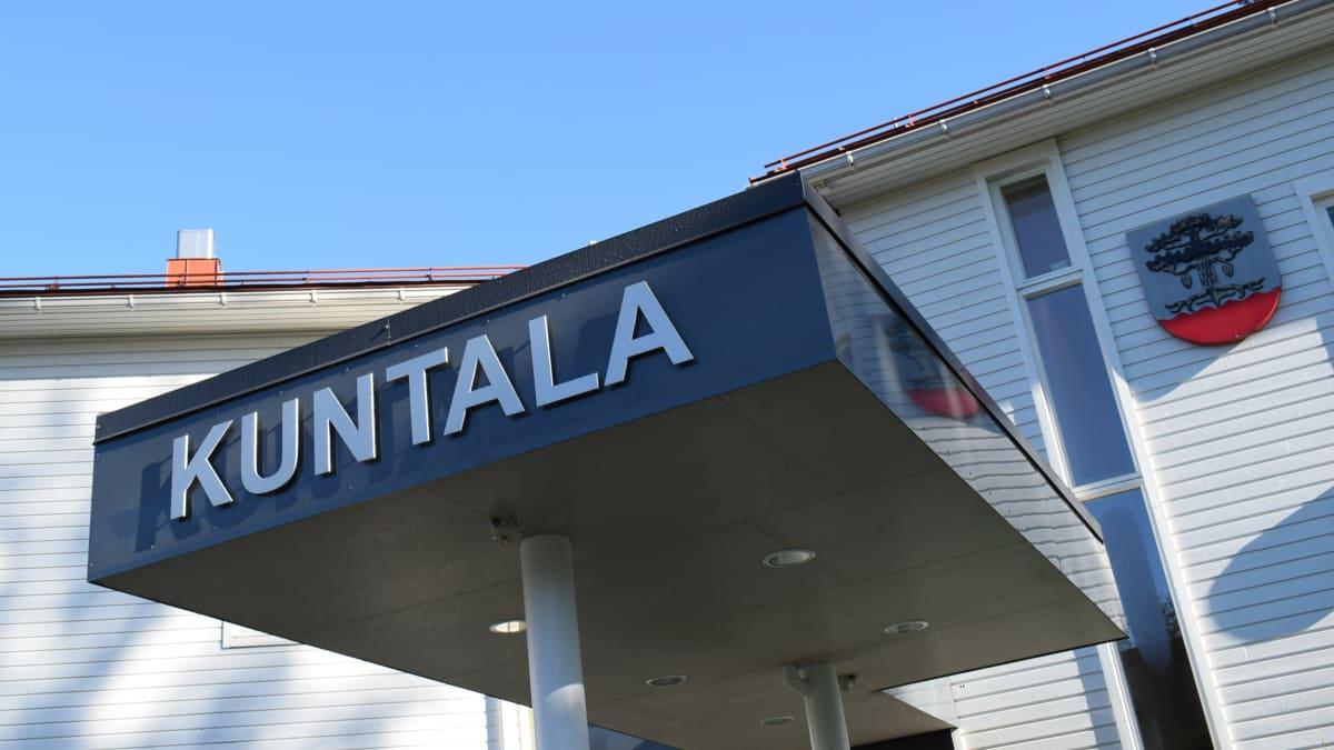 Petäjäveden kunnantalo on Kuntala.