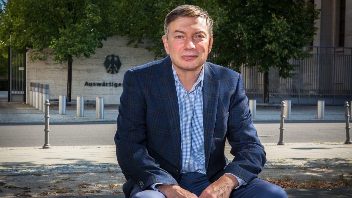Igor Eidman on Saksaan poliittisista syistä muuttanut venäläissosiologi ja Putinin hallinnon kriitikko. Hän uskoo tšetšeenimurhan olleen viesti Euroopalle Venäjän kyvystä tappaa vihollisiaan myös ulkomailla.