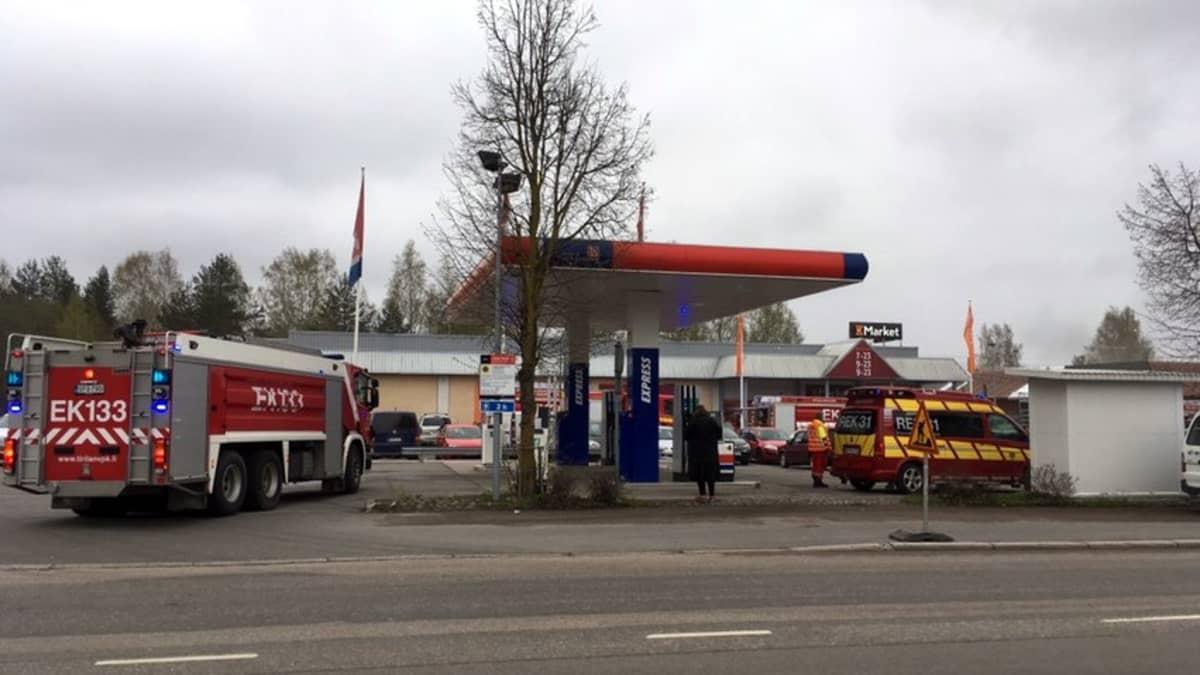Paloautoja palopaiklla