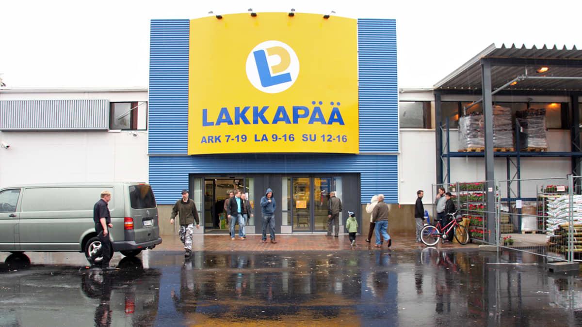 Lakkapää avasi ovensa  Rovaniemellä