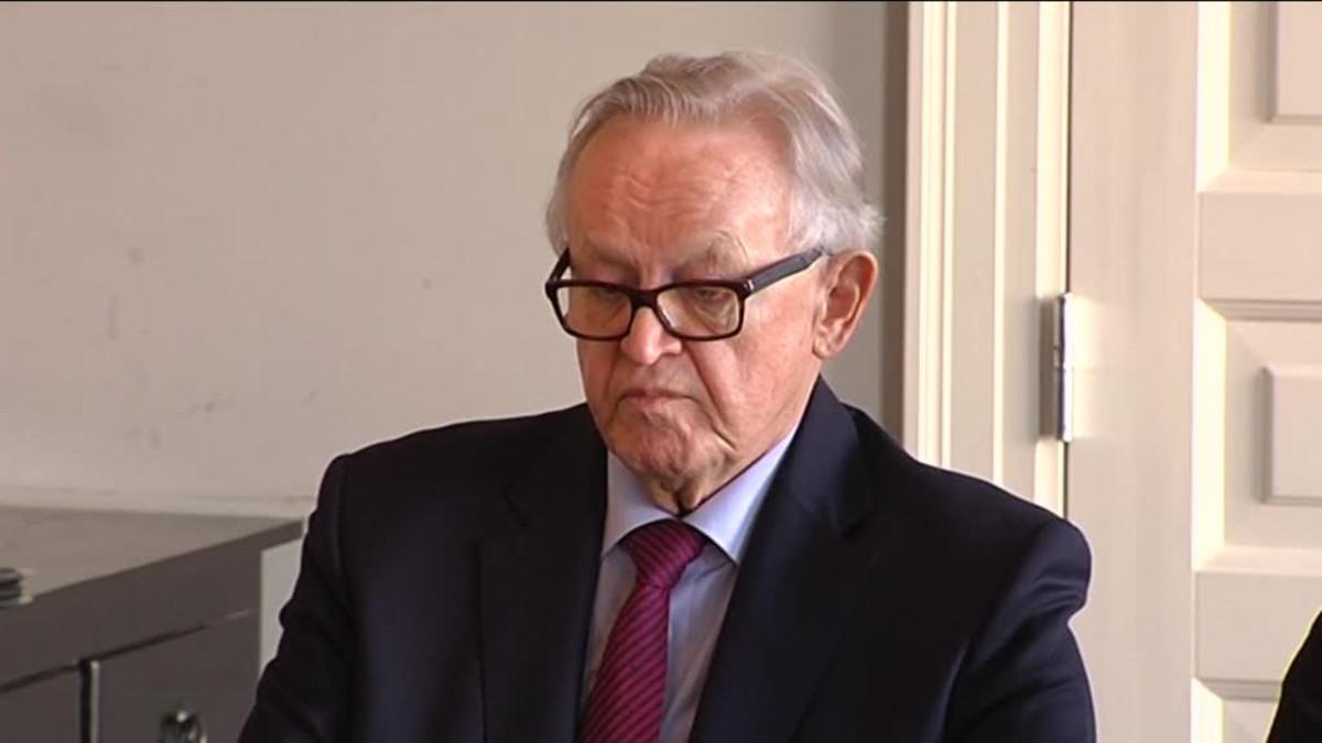 Uutisvideot: Ahtisaari haastattelussa: Väyrynen voisi jo jättää politiikan