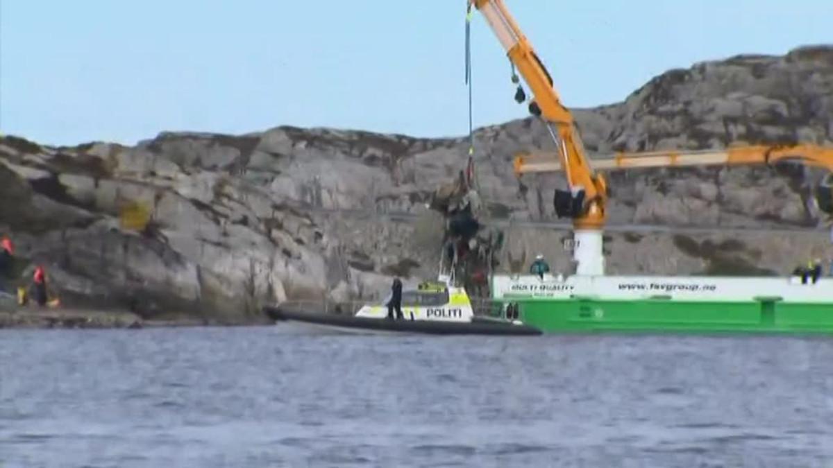 Uutisvideot: Norjan turmakopterin jäänteitä nostettiin merestä