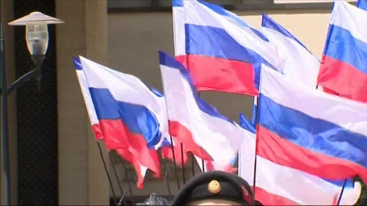 Uutisvideot: Neuvostohenkinen patsas paljastettiin Krimillä