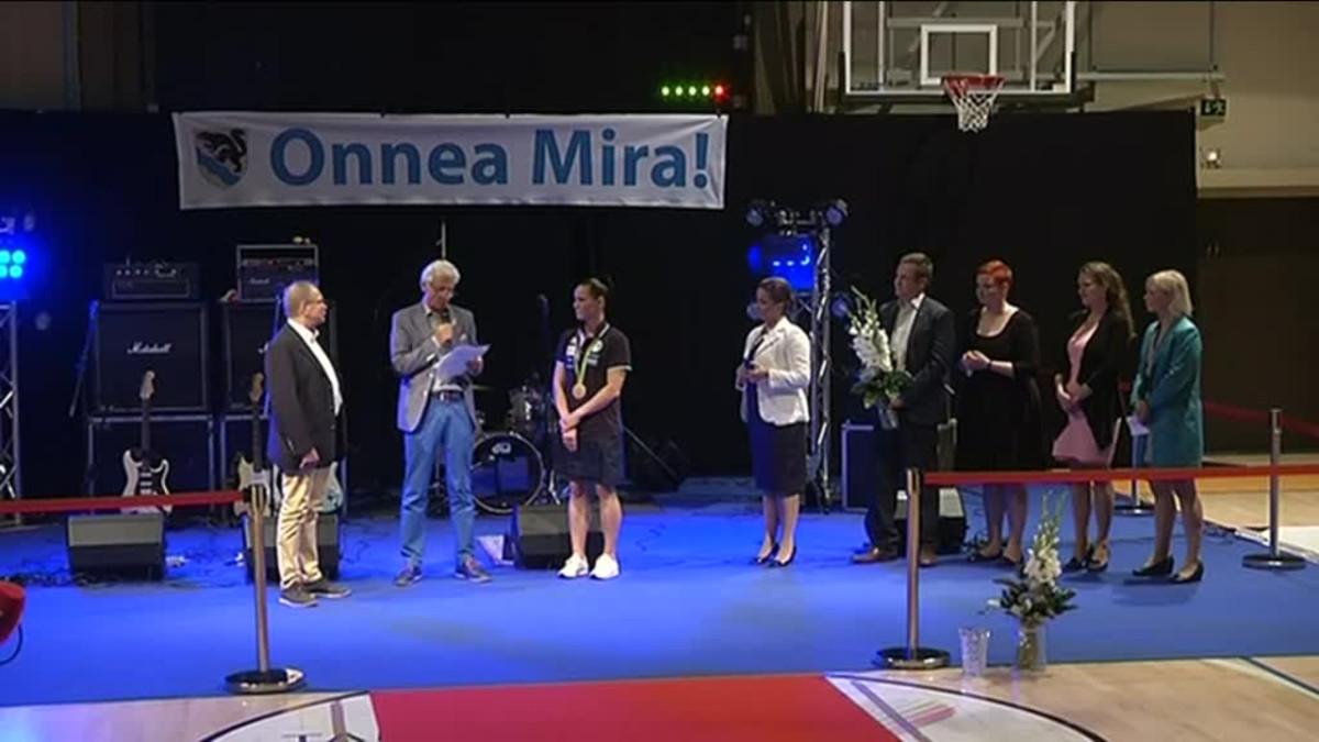 Yle Uutiset Pirkanmaa: Mira Potkosen pronssijuhla Nokialla