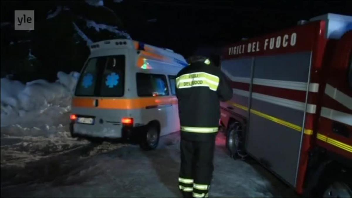 Uutisvideot: Italiassa lumivyöry siirsi hotellia