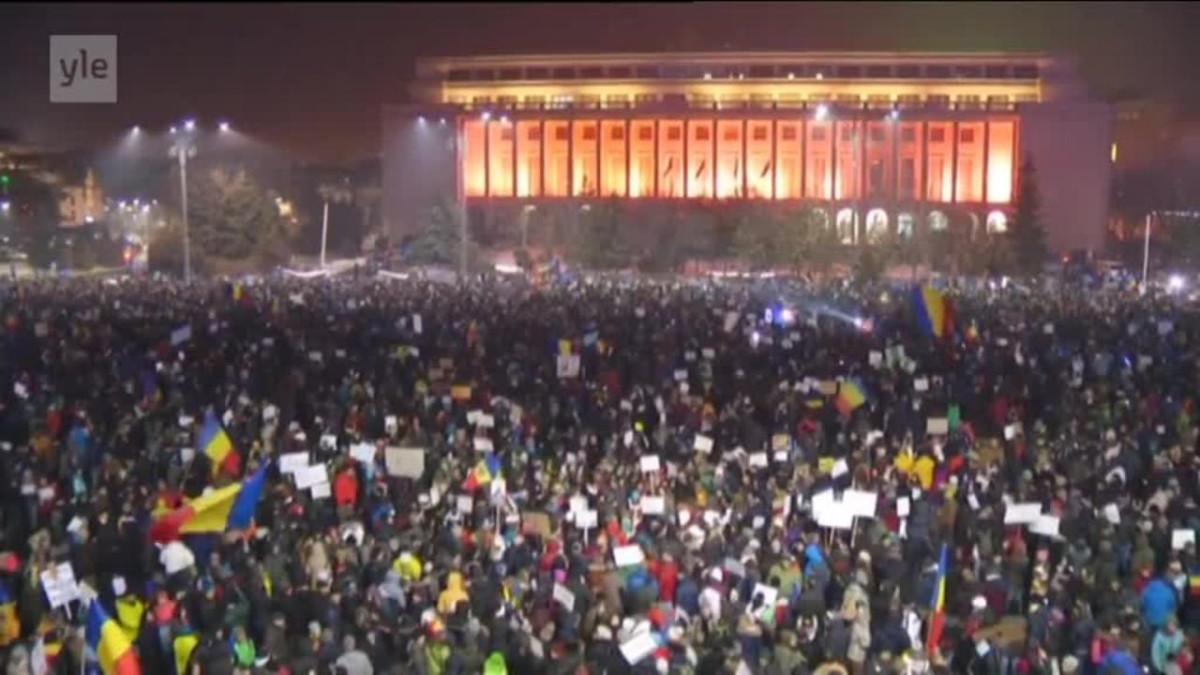Uutisvideot: Bukarestissa jälleen suurmielenosoitus