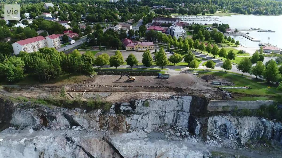 Yle Uutiset Lounais-Suomi: Avolouhos laajenee Paraisilla kohti keskustaa – kurkista jättimäisen kalkkikaivoksen reunan yli