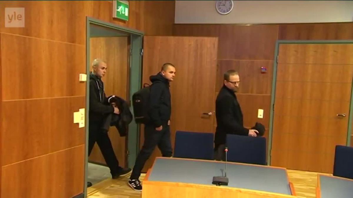 Yle Uutiset Pirkanmaa: Vastarintaliikkeen lakkauttamista käsittelevä oikeudenkäynti alkoi