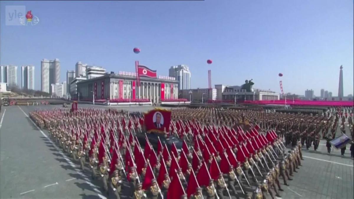 Uutisvideot: Pohjois-Korean paraati