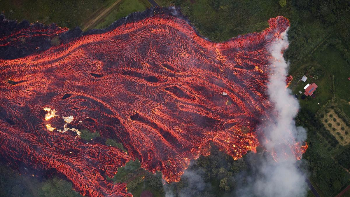Havaijilla purkaus jatkunut, uhkaa jo tärkeää rannikkotietä
