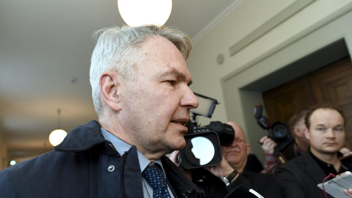 Vihreiden puheenjohtaja Pekka Haavisto kommentoi hallituksen eroa