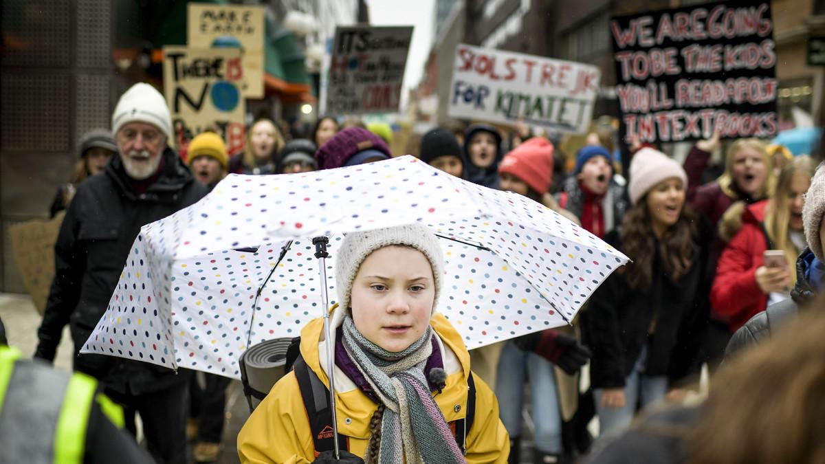 """Greta Thunberg ilmastolakkoilijoille: """"Tiedätte kyllä, ketkä tähän ovat syyllisiä"""""""