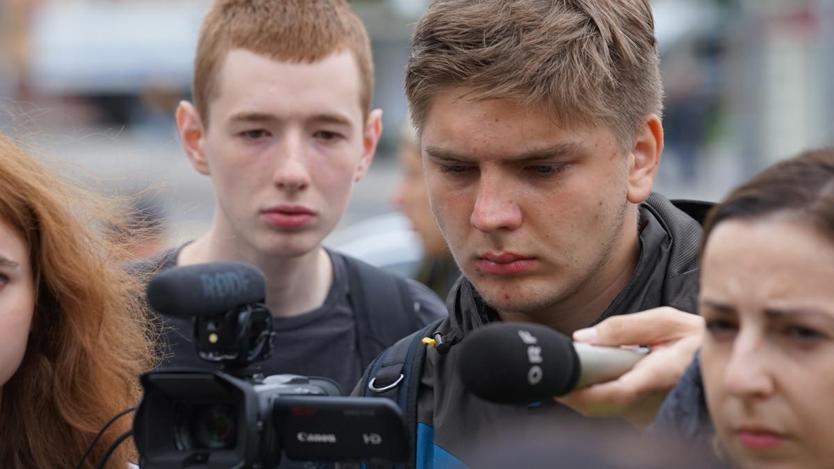 Venäjällä poliisi taltuttaa oppositioprotesteja rajuin ottein